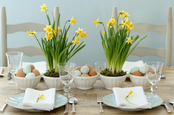 Simple and Sweet Easter Tablescape